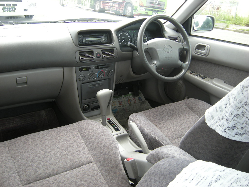 Toyota Corolla EE111 1 3 XE-saloon Ltd, automatic |